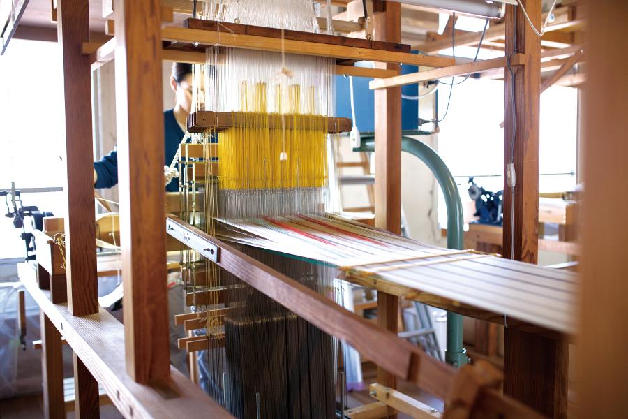 博多織の機織り機
