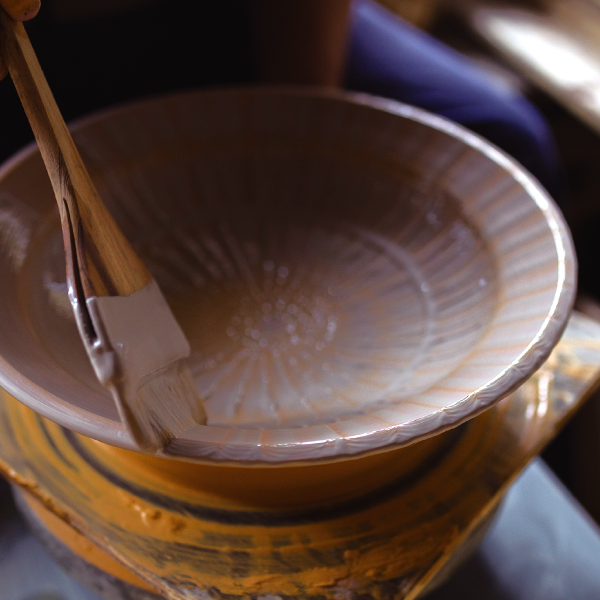 小石原焼の技法「刷毛目」