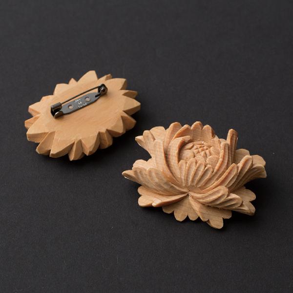 八女福島仏壇 木製ブローチ