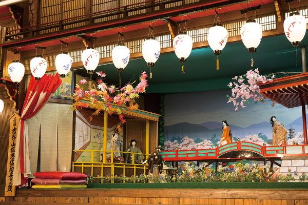 八女福島仏壇 灯籠人形